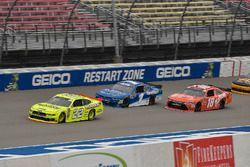 Paul Menard, Team Penske, Ford Mustang Menards/Richmond, Elliott Sadler, JR Motorsports, Chevrolet C