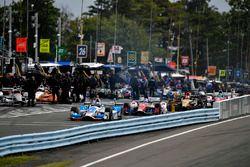Scott Dixon, Chip Ganassi Racing Honda, Carlos Munoz, A.J. Foyt Enterprises Chevrolet