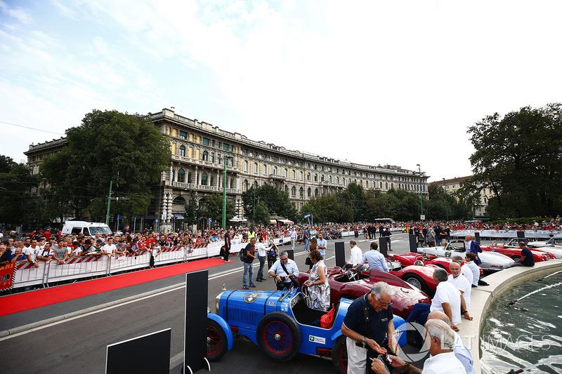 Ambiente previo al desfile de Milán