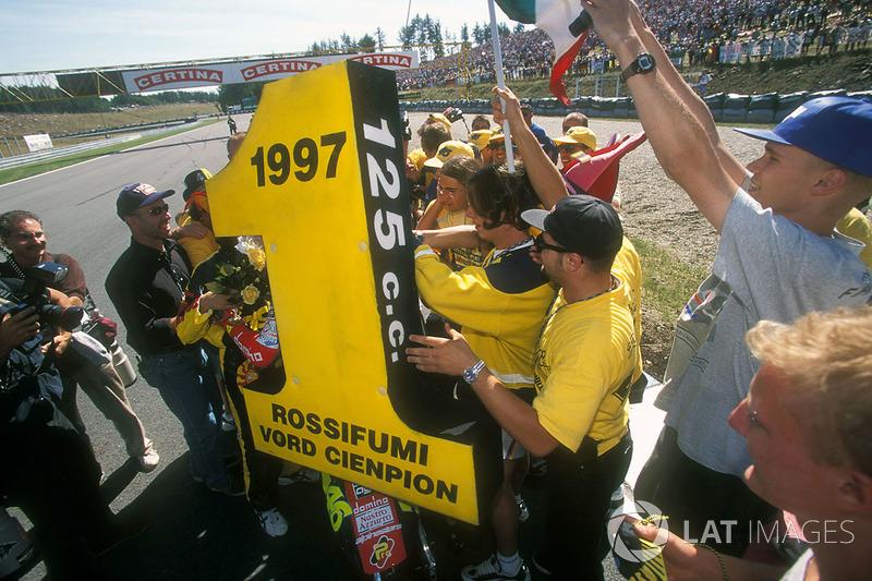 1997 - Kesuksesan perdana