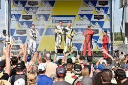 GTLM Podyum: Yarış galibi Antonio Garcia, Jan Magnussen, Corvette Racing, 2. Ryan Briscoe, Richard W