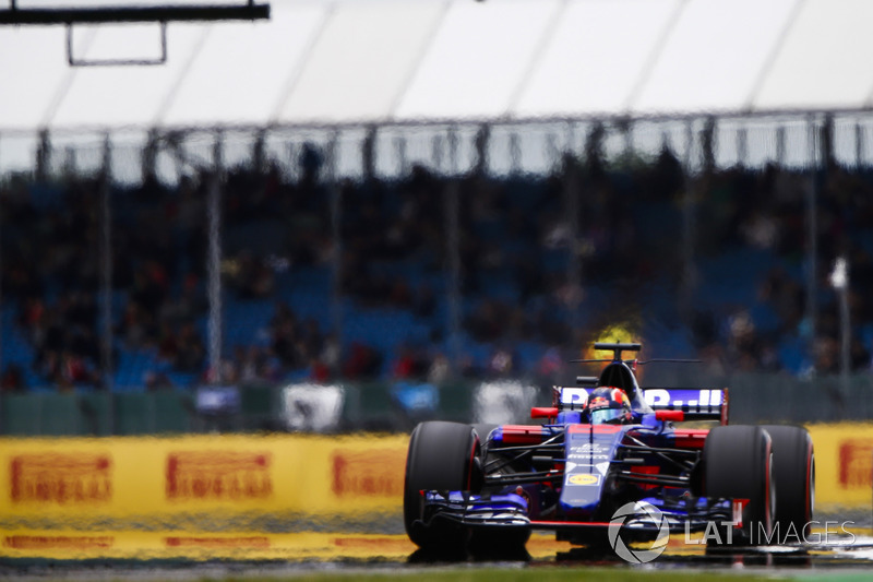 12. Daniil Kvyat, Scuderia Toro Rosso STR12