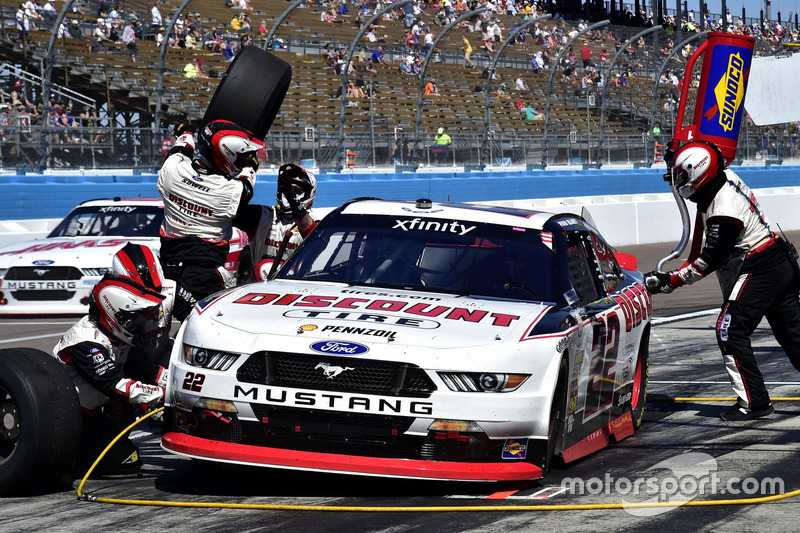 Ryan Blaney, Team Penske Ford, pit stop