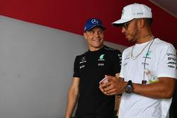 Valtteri Bottas, Mercedes AMG F1 W08 and Lewis Hamilton, Mercedes AMG F1 W08