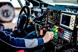 Peugeot 3008 DKR : détail du cockpit