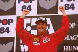 Podium: race winner Nigel Mansell, Ferrari