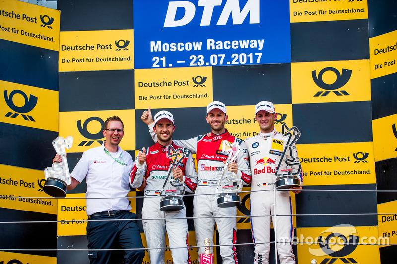 Подиум первой гонки: победитель Рене Раст, второй – Майк Роккенфеллер, третий – Марко Виттман