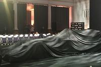 Болід Renault Sport F1 Team RS17 під чохлом