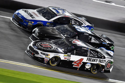 Kevin Harvick, Stewart-Haas Racing Ford, Reed Sorenson, Premium Motorsports Toyota and Ricky Stenhou