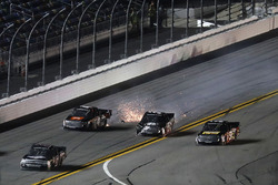 Korbin Forrister, Toyota, Christopher Bell, Kyle Busch Motorsports Toyota, incidente