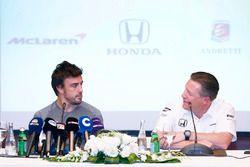 Zak Brown Director Ejecutivo de McLaren Technology Group, anuncia un acuerdo con Fernando Alonso par