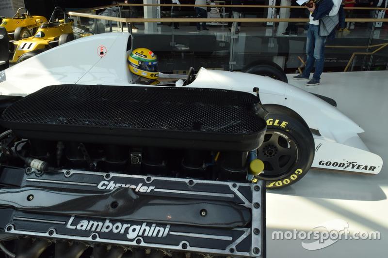 McLaren-Lamborghini