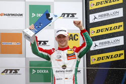 Podio: tercer lugar Maximilian Günther, Prema Powerteam, Dallara F317 – Mercedes-Benz