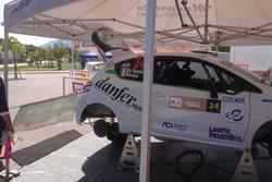 Peugeot 208 R2B di Luca Bottarelli, Manuel Fendi nel Parco Assistenza