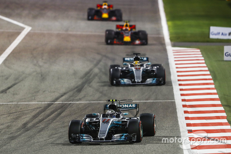 Valtteri Bottas, Mercedes F1 W08, Lewis Hamilton, Mercedes F1 W08, Max Verstappen, Red Bull Racing RB13, Daniel Ricciardo, Red Bull Racing RB13