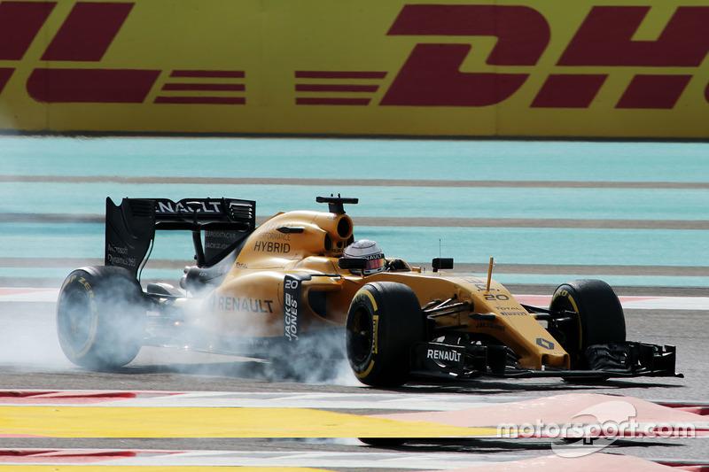 Kevin Magnussen, Renault Sport F1 Team RS16 locks up under braking