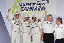 World Champion LMP1 #2 Porsche Team Porsche 919 Hybrid: Romain Dumas, Neel Jani, Marc Lieb
