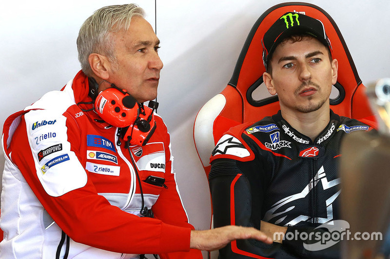 Davide Tardozzi, Director de equipo del equipo Ducati, Jorge Lorenzo, el equipo de Ducati
