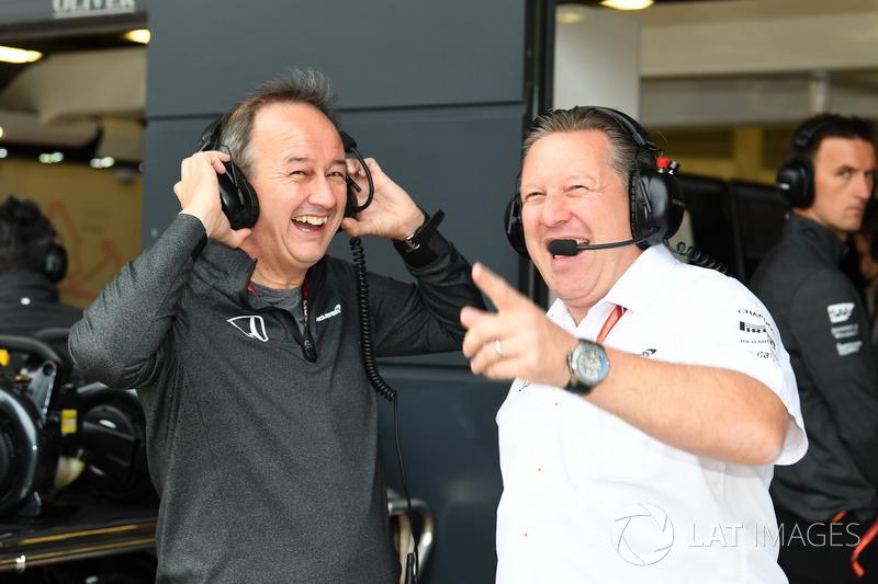 Zak Brown, Director Ejecutivo de McLaren y Jonathan Neale