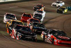 Christopher Bell, Joe Gibbs Racing Toyota und Ty Dillon, Richard Childress Racing Chevrolet
