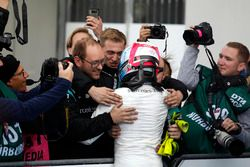 Le vainqueur Robert Wickens, Mercedes-AMG Team HWA, Mercedes-AMG C63 DTM