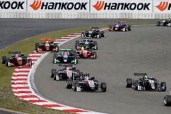 Joel Eriksson, Motopark Dallara F317 - Volkswagen, Tadasuke Makino, Hitech Grand Prix, Dallara F317