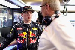 Макс Ферстаппен, Red Bull Racing, и спортивный консультант Red Bull доктор Хельмут Марко