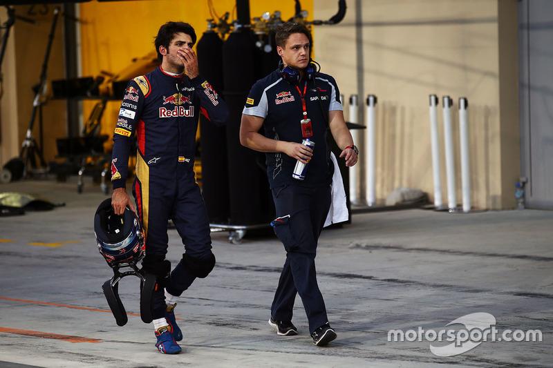 Carlos Sainz terminó el año sin ver la bandera a cuadros