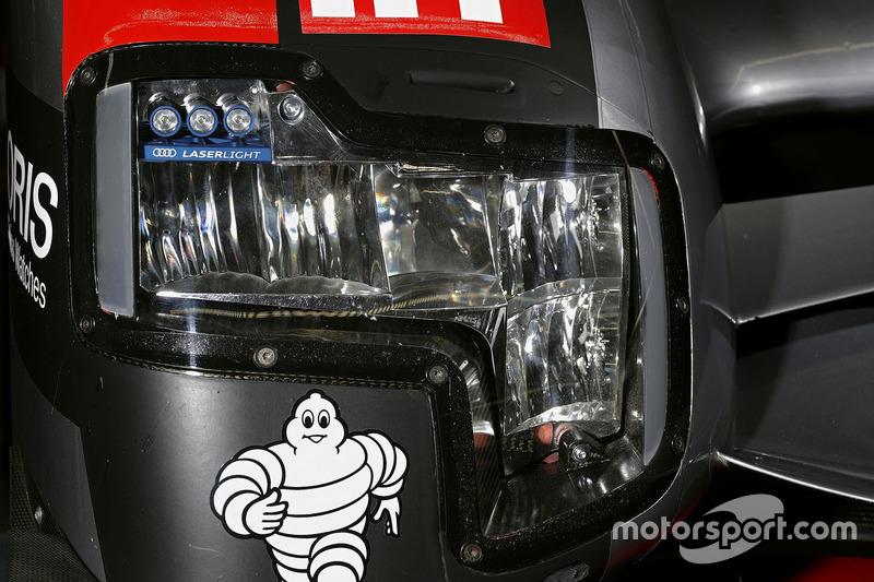 L'avant de la #8 Audi Sport Team Joest Audi R18