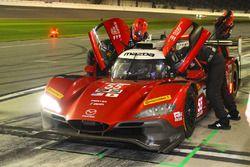 #55 Mazda Motorsports Mazda DPi: Jonathan Bomarito, Tristan Nunez, Spencer Pigot, pit action