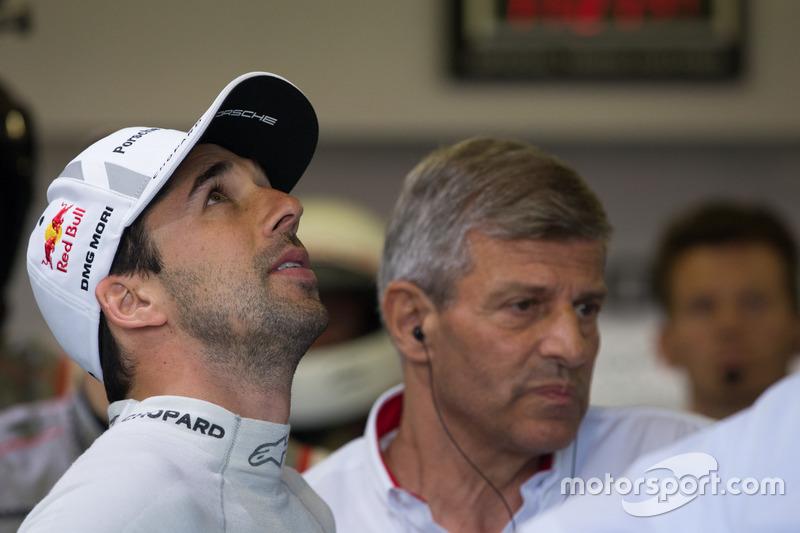 Ніл Яні, Porsche Team, голова Porsche LMP1 Фрітц Ензінгер