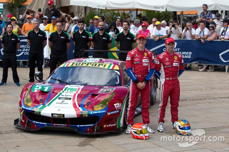 №51 AF Corse Ferrari 488 GTE: Джеймс Каладо, Алессандро Пьергвиди, Микеле Руголо