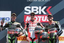 Podium: winnaar Chaz Davies, Ducati Team, tweede plaats Jonathan Rea, Kawasaki Racing, derde plaats