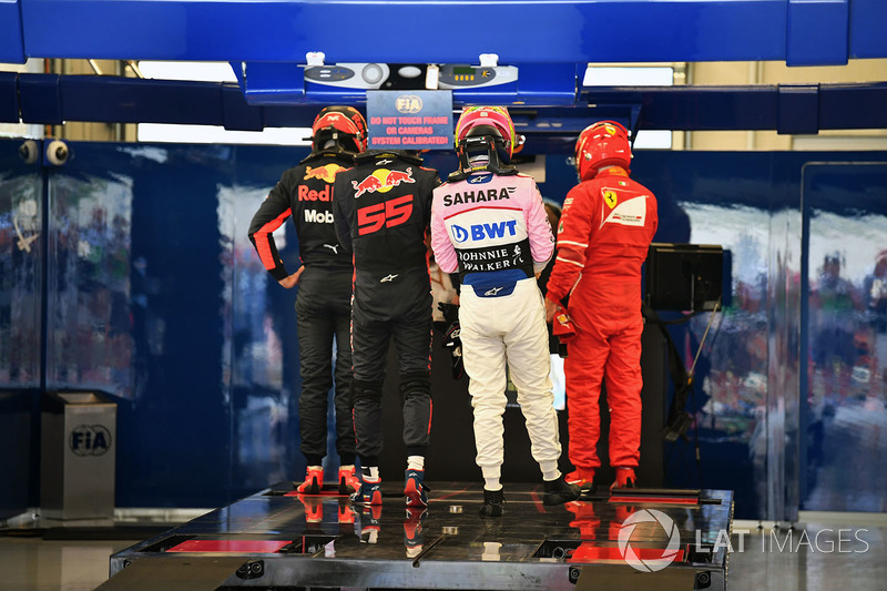 Daniel Ricciardo, Red Bull Racing, Max Verstappen, Red Bull Racing and Sergio Perez, Sahara Force India, Kimi Raikkonen, Ferrari