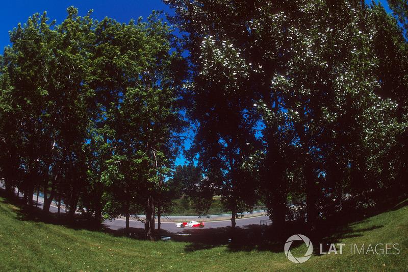 Mika Hakkinen, McLaren MP4/10B