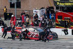 Erik Jones, Furniture Row Racing Toyota pit stop