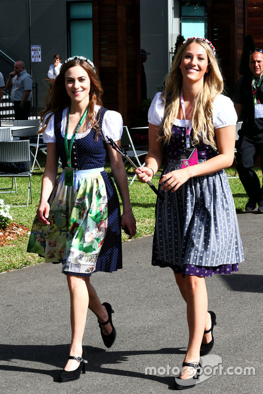 Hot girls in the paddock