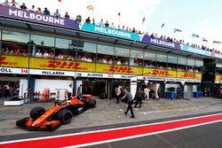 Fernando Alonso, McLaren MCL32, leaves the garage