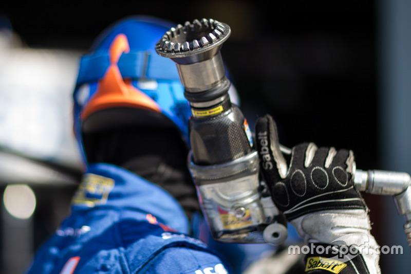 Mechanic holding an impact gun
