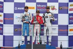 Podio Rookie Gara 3: il secondo classificato Andrea Dell'Accio, Henry Morrogh Racing D.S., il vincit