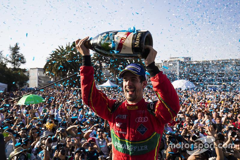 Podio: el ganador de la carrera, Lucas Di Grassi, ABT Schaeffler Audi Sport