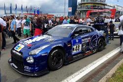 Nissan GT-R команды Schulze Motorsport: Марк Шульжицкий, Тобиас Шульце, Михаэль Шульце, Жордан Трессон
