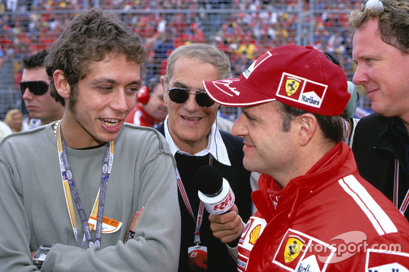 Rubens Barrichello, Ferrari and Valentino Rossi talk before the race