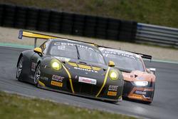 #36 bigFM Racing Team Schütz Motorsport, Porsche 911 GT3 R: Alex MacDowall, Klaus Bachler