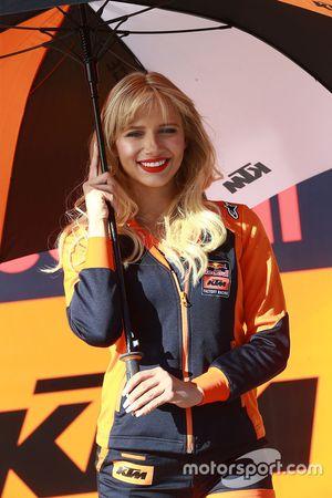Une Grid Girl KTM