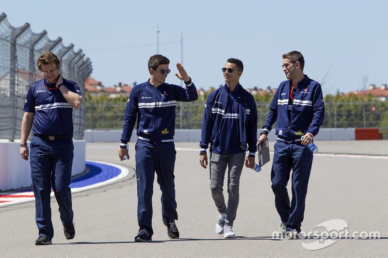 Pascal Wehrlein, Sauber walks the track