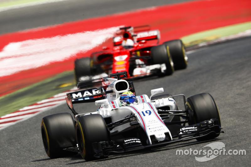 Гран При Испании: в конце гонки Феттель потерял время и ошибся, пытаясь обогнать Массу на круг. Оба пилота отреагировали по-разному
