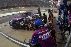 Dale Earnhardt Jr., JR Motorsports Chevrolet, fa un pit stop