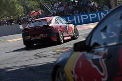 Shane van Gisbergen, Triple Eight Race Engineering Holden leads