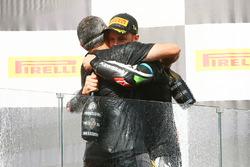 Pere Riba, ganador de la carrera y campeón de 2017 Jonathan Rea, Kawasaki Racing